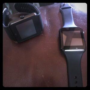 Jewelry - Two apple watch's